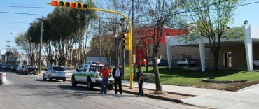 Obras de seguridad vial en Av. Sarmiento en el acceso a la nueva guardia del Hospital Municipal
