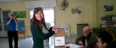Liliana Schwindt candidata a diputada nacional por el Frente Renovador emitió su sufragio