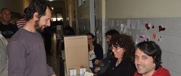 Elecciones 2013: Votó el primer candidato