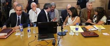 Juicio Moreno: perpetua y cárcel común para los militares
