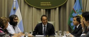 Scioli delineó agenda educativa con gremios docentes